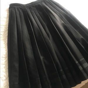 Club Monaco 100% wool skirt